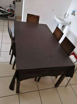 Dinning table n 5 chairs