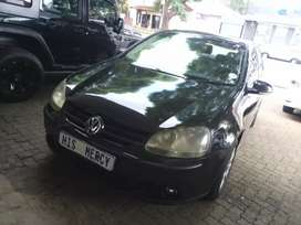 Black VW Golf-5  1.6