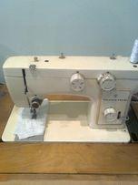 Электрическая швейная машинка - оверлок Чайка 142М