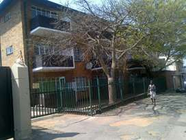 1 Large Bedroom flat for rent