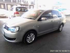 Volkswagen polo vivo 1.4 sedan, 2013