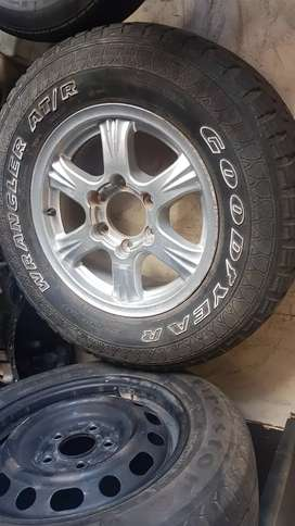 Gwm Steed 5 4x4 Mags and tyres for sale