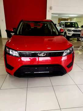 Brand new Mahindra XUV300 W4 1.5D for sale  @ R270 000 (With Mags) or