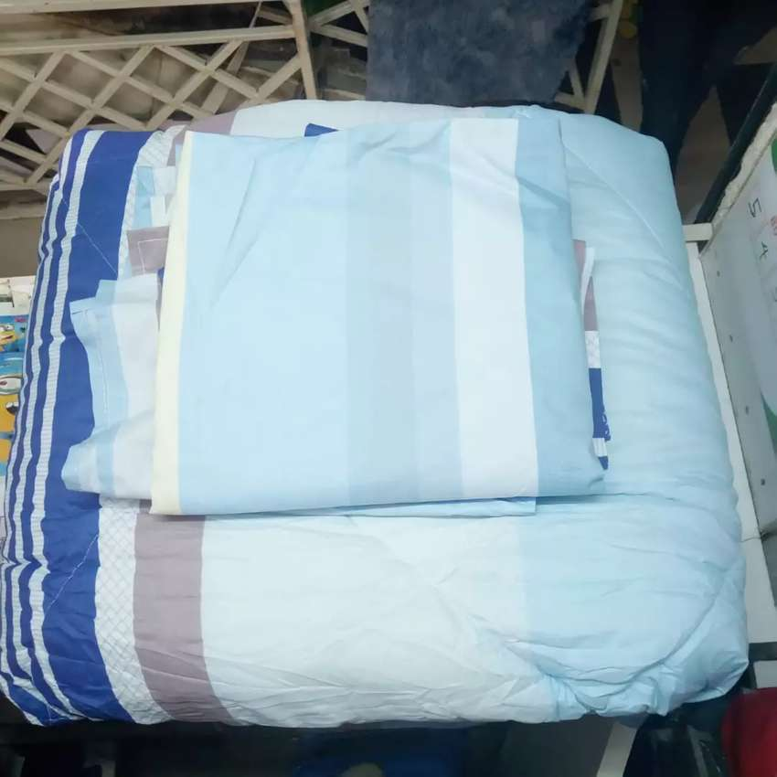 5x6 Duvets with 1 Bedsheet and 2 pillow cases 0