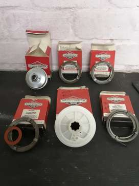 Briggs and Stratton lawnmower parts, the lot