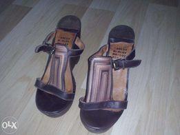 HEGO'S buty skórzane na koturnie drewnianej