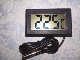 Мини термометр с выносным датчиком. Встраиваемый. Автомобильный.
