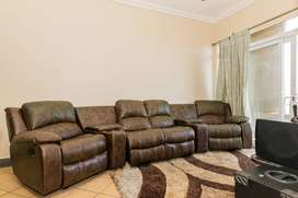 Four Seater Leather Theatre Lounge Set