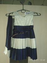 Нарядное платье 3-4 годика
