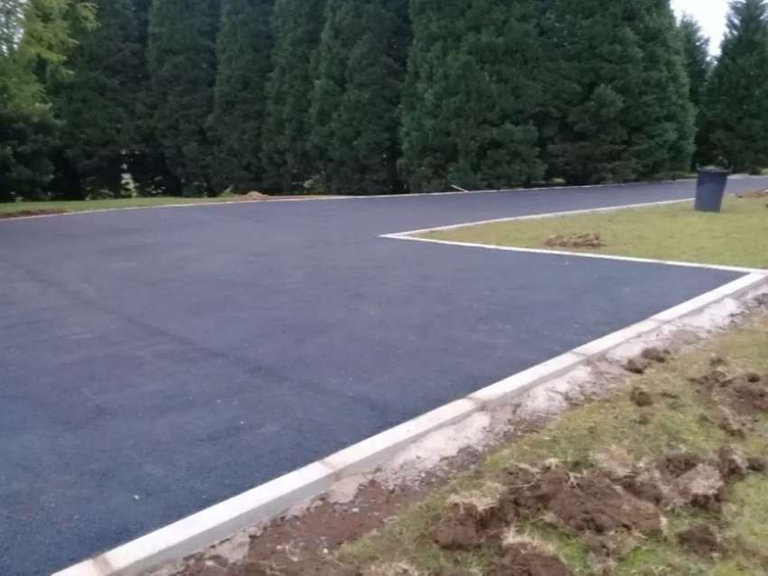 TAR AND PAVING CONTRACTORS 0