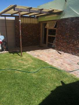 Seperate entrance to rent In Rugby, Milnerton