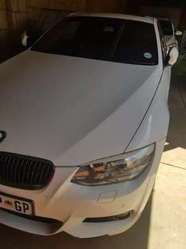 Hi m selling my biautfuy BMW 335