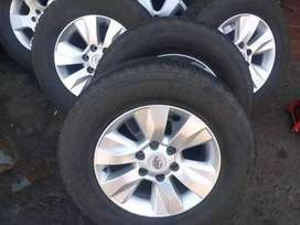 Toyota Hillux mags GD6 size 17 set +Bridgestone tyres for sell call