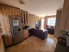 3 bedroom house for rent in Windmill Park Ext 16