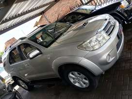 Toyota fortuner 3.0D4D still good condition with a FSH