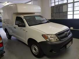 2005 Toyota Hilux 2.0 with Canopy