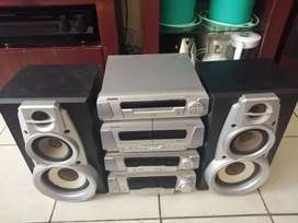 Technics components and speakers for sale no remote