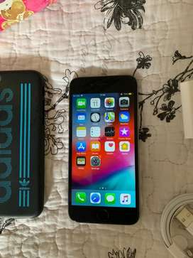 iPhone 6 (64GB) Space Grey in Excellent Condition + accessories