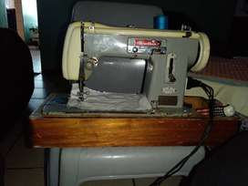 Brother sewing machine for sale R1000  heavyduty domestic can sew thro