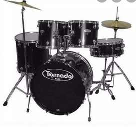 Tornado 7 piece drumkit for sale! Good condition!