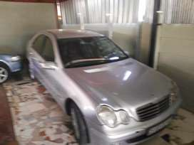 Mercedes Benz non.runner must go.Make me.a offer