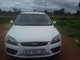 2010 Ford focus on sale low kilos everything still original