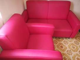 Red couch 2 seater 1 seater (leather)