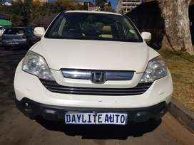 2007 Honda CRV 2.0 with Sunroof and leather seats