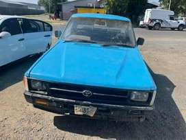 TOYOTA HILUX (HIPS)-FOR SALE AS IS OR FOR SPARES