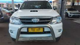 2008 Toyota Fortune 3.0  Engine Capacity ( D4D 4X4 )with  Manuel Trans