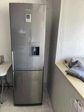 Samsung Frost Free Double Fridge & Freezer with water dispenser