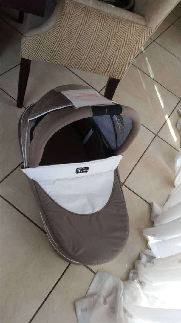 Twin pram and carry cot 0