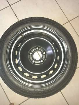 Volvo and ford sparewheel five hole