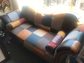Colour-blocked 3 seater couch
