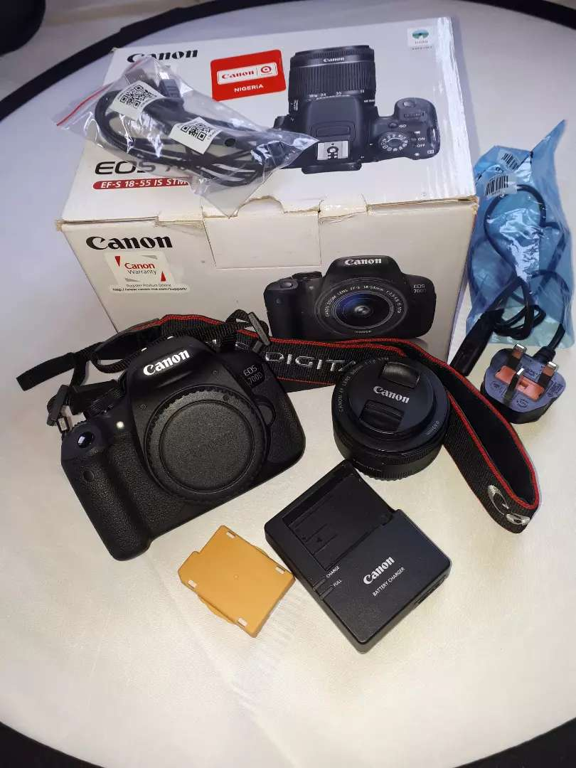 Canon 700D with canon 50mm lens and yongnuo speedlight 0