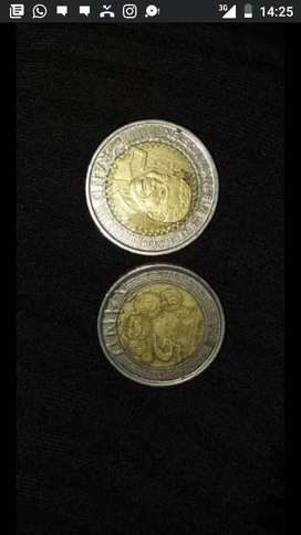 Different types of Nelson Mandela R5 coins