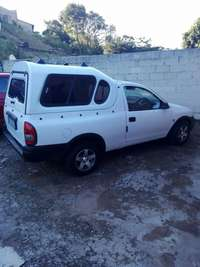 Image of Corsa Bakkie 1.6I with canopy