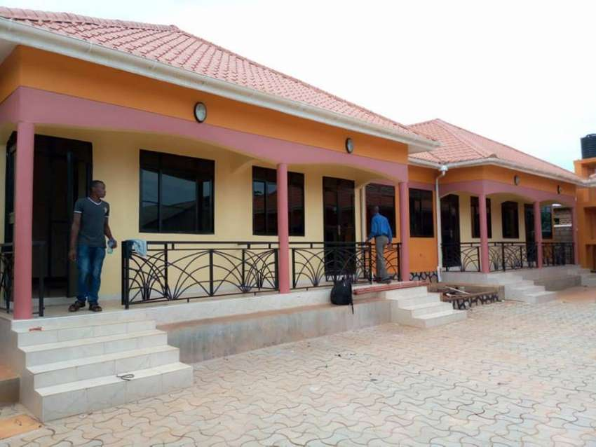brand new self contained double rooms in kisasi at 300k 0