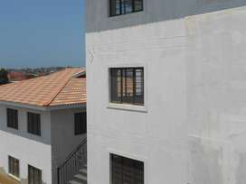 8x 3 BEDROOM UNITS IN A COMPLEX FOR RENT IN NORTHCROFT R 6500 EXC; L/W