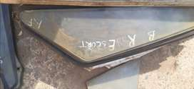 Ford Escort MK3 RR C-pillar window glass.