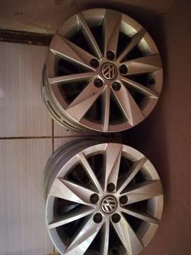 "16"" VW Golf 7 Original Rims"