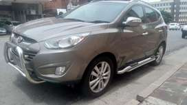 Hyundai ix35 with reverse camera in excellent condition.