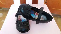 Стильные черные туфли туфельки Frozen от Disney для модницы (size 25)