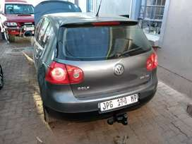 Golf 5 for sale good condition ,brand new engine and new tires