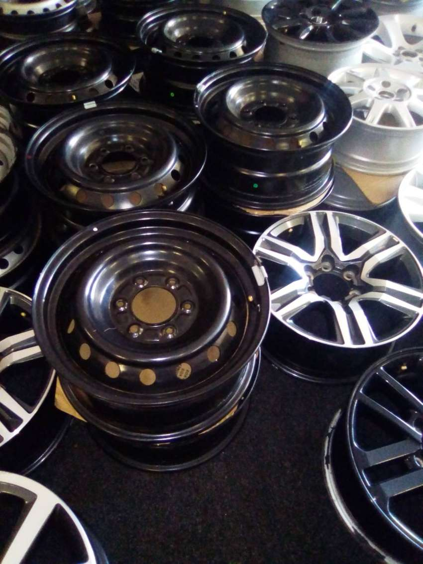 """16"""" and 17""""Steel rims for Ford Ranger and Toyota hilux/fortuner spare"""