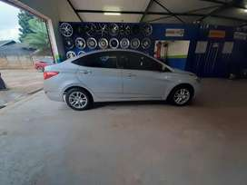 Hyundai accent 1.6 automatic full house