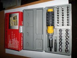 продается набор инструмента головки с трещеткой 41 наименование.