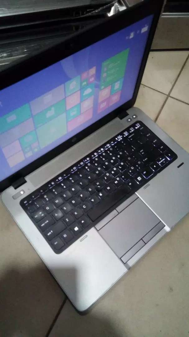 HP elite core i5 with 4gb ram 0