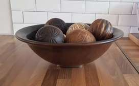Decor wooden bowl and 6 wooden balls