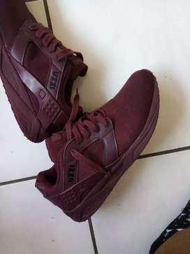 Uzzi sneakers for sale